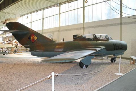 MiG15UTI 163-1