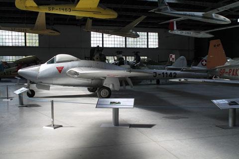 Vampire J-1142-1