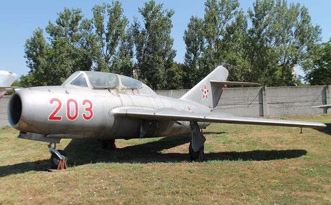 MiG15UTI 203-1