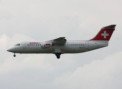 "BAe Avro RJ100 "" HB-IXO "" Swiss"
