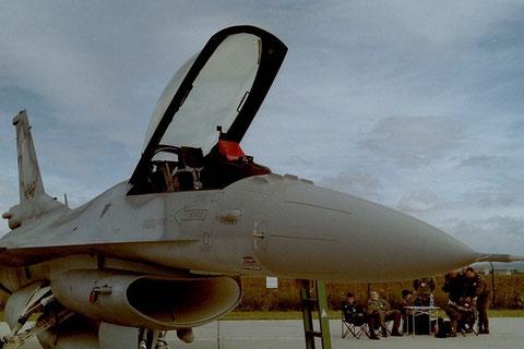 F16 4048-1