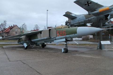 MiG23MF 586-1