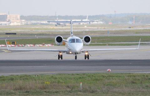 Learjet 4O-MNE-1