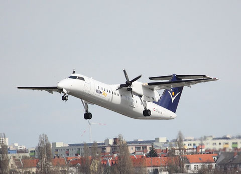 Dash8 OE-LIE-1