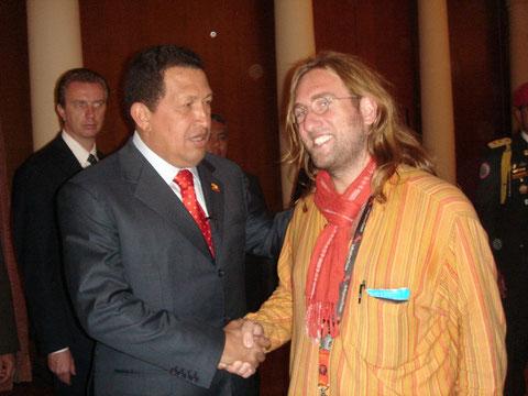 incontro tra il Presidente della Repubblica Bolivariana del Venezuela Hugo Chavez e il segretario del SISA Davide Rossi
