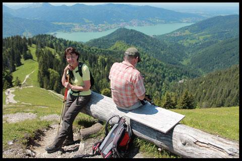 Pause am höchsten Punkt der Tour: Auf dem Gipfel der 1448 Meter hohen Baumgartenschneid.