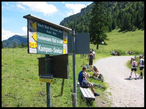 Der bei Mountainbikern und Wanderern gleichermaßen beliebte Hirschtalsattel.