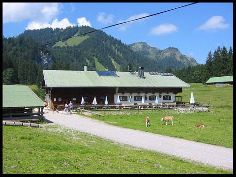 Der höchste Punkt dieser Tour: Die idyllisch gelegene Schwarzentennalm.