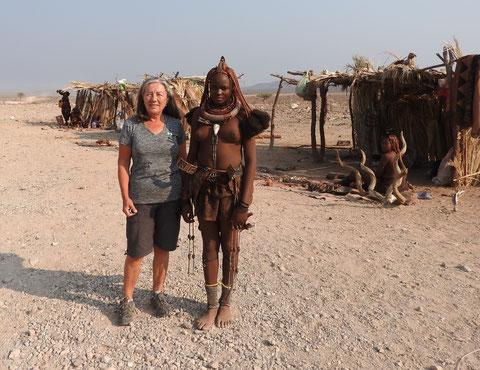 Rita und die Himba Frau