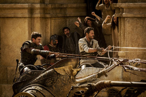 Messala (Toby Kebbell, à gauche) et Judah Ben-Hur (Jack Huston) font la course: devinez qui va gagner... (©Paramount Pictures/Metro-Goldwyn-Mayer Pictures/Philippe Antonello).