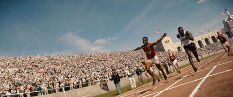 Stephan James interprète Jesse Owens, athlète de légende (1913-1980) (©La Belle Company).