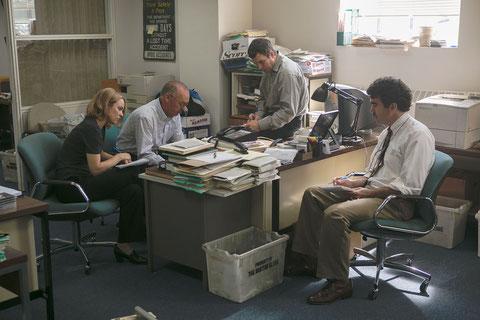La cellule d'investigation Spotlight va faire éclater le scandale (©Warner Bros.).