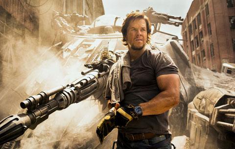 Mark Wahlberg est l'ami des gentils Transformers, les Autobots (©Andrew Cooper/Hasbro/Paramount Pictures).