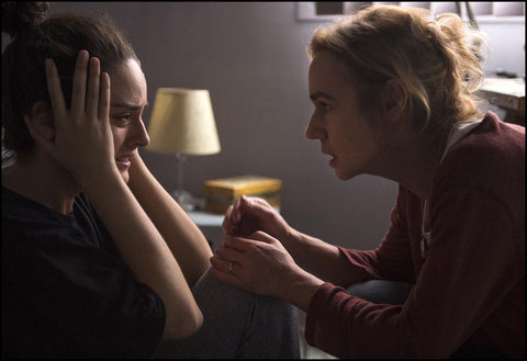Sandrine Bonnaire (à droite) et Noémie Merlant: la mère ne comprend pas pourquoi sa fille s'est radicalisée (©Guy Ferrandis/UGC Distribution).