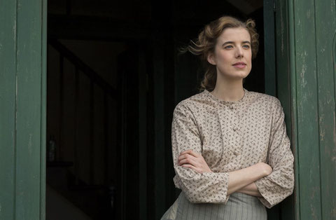 "Mannequin et top-model, Agyness Deyn interprète son premier grand rôle dans ""Sunset Song"" (©Rezo Films)."