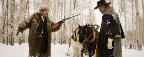 Kurt Russell et Samuel L. Jackson, face à face dans la neige (©The Weinstein Company/SND).