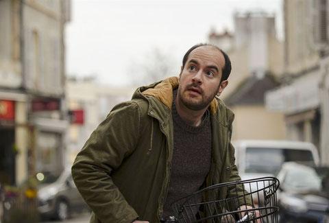 """Kyan Khojandi, créateur de la série """"Bref"""", est l'acteur principal de """"Rosalie Blum"""" (©SND)."""