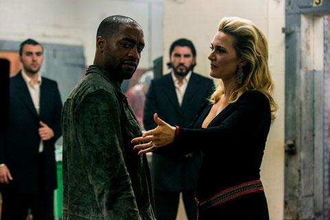 Chiwetel Ejiofor et Kate Winslet: alliés, mais pas trop (©Mars Distribution).