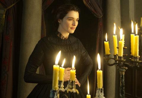 Rachel Weisz est Rachel, mystérieuse et envoûtante jeune veuve (©20th Century Fox/Sophie Dulac Distribution).
