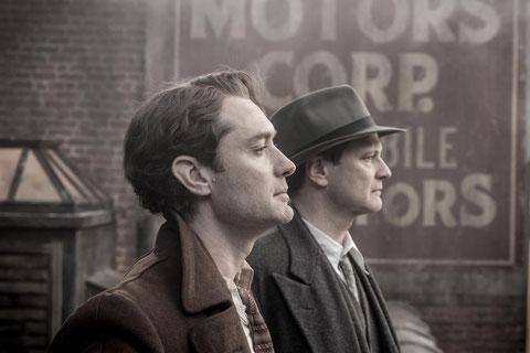 Jude Law (à gauche) et Colin Firth interprètent l'écrivain Thomas Wolfe et son éditeur Maxwell Perkins, qu'une belle amitié unira pendant une dizaine d'années (©Mars Distribution).