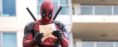 """Vulgaire, violent, déjanté, """"Deadpool"""" dénote face aux films habituels de super-héros (©20th Century Fox)."""