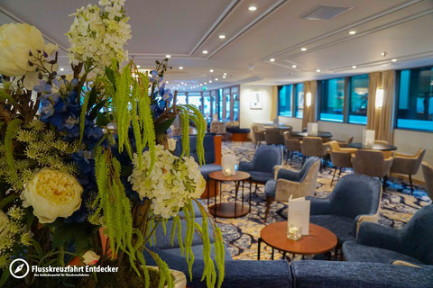 VIVA TIARA Panorama Lounge