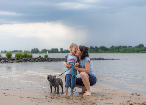 Fotoshootings in Hamburg - Mama und Sohn am Strand