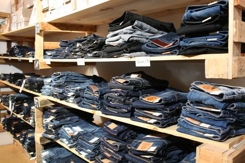 0d2b3e6dd05319 Fair Trade Kleidung   Faire Jeans in Berlin
