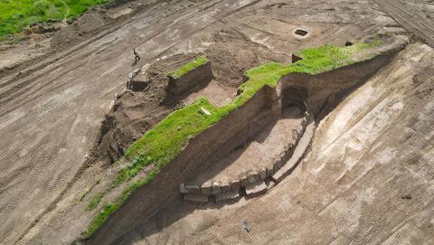 Excavaciones del montículo cerca del pueblo de Novoaleksándrovka/ Foto : Redhistoria