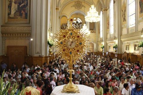 Misa de Radio Fórmula en el programa Encuentro con tu Ángel, de Mario Córdova, el sábado 8 de septiembre de 2012, en la Parroquia de la Sagrada Familia