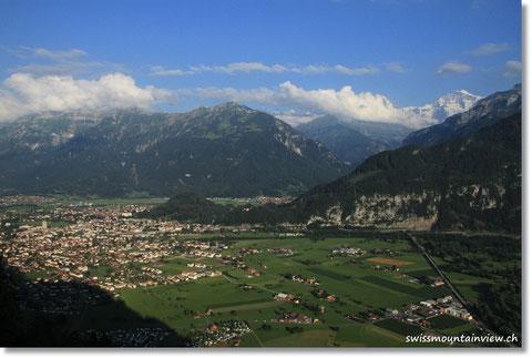 fahren wir mal am Abend ins Luegibrüggli oberhalb von Interlaken.