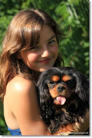 und Frau Üüseli (Kosenamen für Müüseli). Roxy ist für 2 Tage im www.hundemotel.ch in den Ferien.