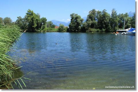 Dank Google Earth finden wir sogar einen kleinen Teich.