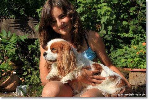 Nathi mit ihrem Liebling Charly
