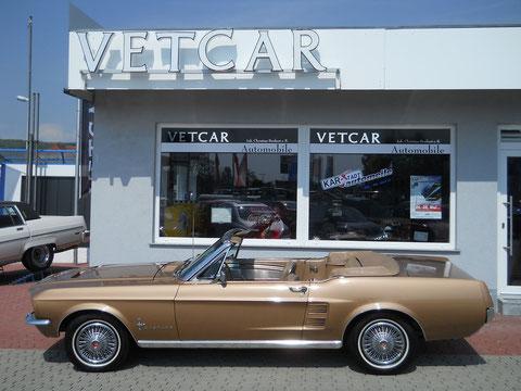 `67er Mustang V8 Cabrio. Einsteigen, losfahren, glücklich sein.