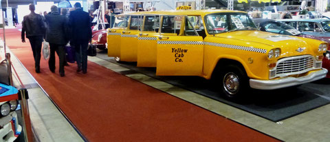 Checker Cab NY (long version 8 doors) Rennfahrerlegende Walter Röhrl im Bild links.
