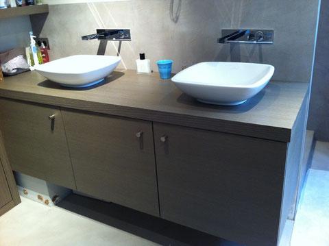 Création meuble vasque et crédence béton ciré