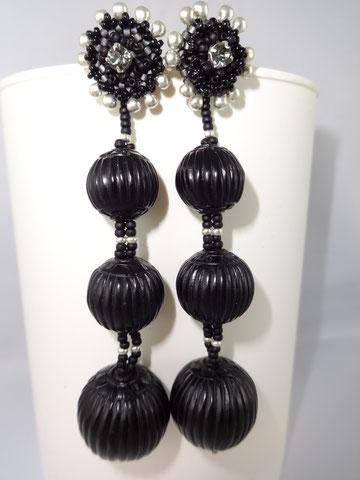 Black Glamour Ohrhänger aus Jetperlen von Ursula Raymann