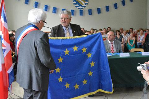La remise du Drapeau d'Honneur du Conseil de l'Europe