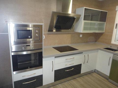 cocina postformado blanco y gris martos