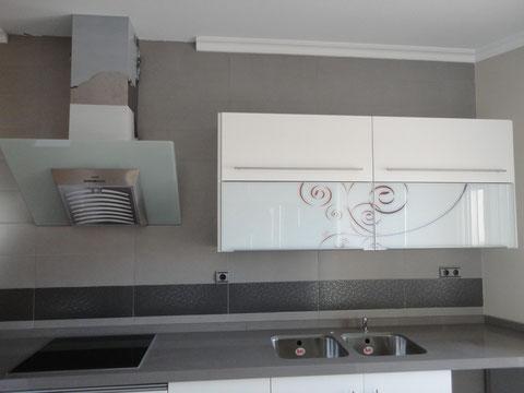Cocina lacada en blanco Higuera de Calatrava