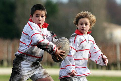 2 Rugbymen et leur drôle de frimousse et en pleine Rugby Attitude lors du tournoi de Gradignan (33)