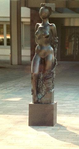 Heilung, 1999, 175 cm - Krankenhaus Lübben