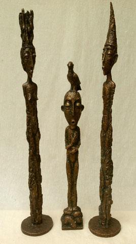 Zauberer und Zauberin, 2007, 53 cm und Schamane (Mitte), 2008, 41 cm