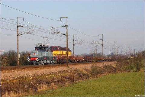 Und die letzte Lastfahrt mit Trm 36011 Bettembourg - Belval Usines in der schönen Nachmittagssonne.