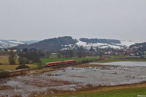 Doppeltraktion 628 467 + 628 475 als RB 12872 Kaiserslautern - Kusel mit Blick auf Rehweiler - 13:53 Uhr