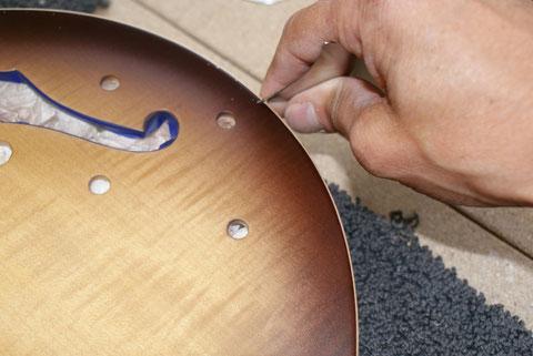 Das Binding muss komplett nachgearbeitet werden um eine schöne Kante zu bekommen.