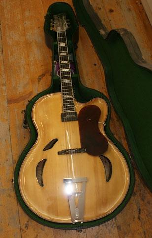 Lieber Urs, ich wünsche dir viele schöne Stunden mit diesem Instrument und bedanke mich für dein Vertrauen!