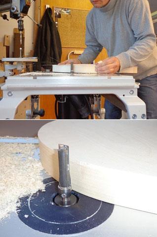 Jetzt wird der Überstand des Rückenteiles an der Kehlmaschine bündig gefräst.