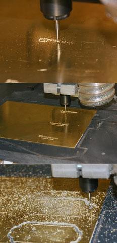 Für die Tonabnehmer braucht es noch Grundplatten. Diese werden aus 0,8mm Messing gefräst.